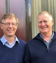 David Agnew, le nouveau secrétaire exécutif, et Andrew Wright, le secrétaire exécutif sortant.